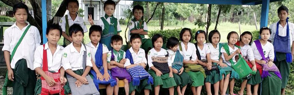 Kinderheim Schuluniformen
